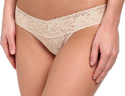 (Hanky Panky Women's Petite Signature Lace Low Rise Thong Chai Thongs One Size)
