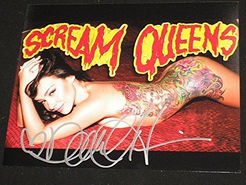 DANIELLE HARRIS Signed 8x10 Photo Halloween Scream Queen Autograph B ()