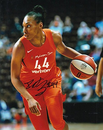 (BETNIJAH LANEY signed (CONNECTICUT SUN) WNBA *RUTGERS* 8X10 photo W/COA #2 - Autographed WNBA Photos)