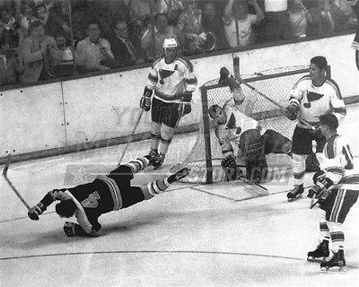 Bobby Orr Boston Bruins the flying goal 8x10 11x14 16x20 photo 401 - Size 16x20