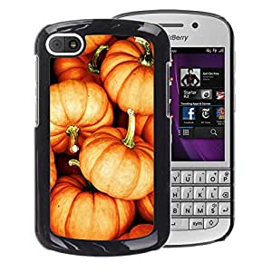 A-type Arte & diseño plástico duro Fundas Cover Cubre Hard Case Cover para BlackBerry Q10 (Pumpkin Halloween Orange Fall Autumn)