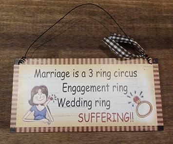 Estilo de madera para colgar señal matrimonio es un circo 3 anillo - Anillo de compromiso, boda corteza - sufrimiento: Amazon.es: Hogar