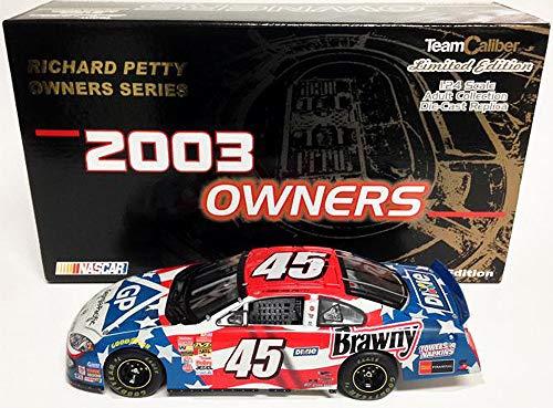 Team Caliber 1/24 Scale 2003 Owners Series Dodge Intrepid Diecast Replica Stock car - Kyle Petty Georgia Pacific