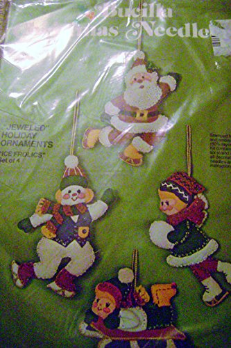 (Bucilla Christmas Needlecraft (Ice Frolics, Kit No. 3388) )