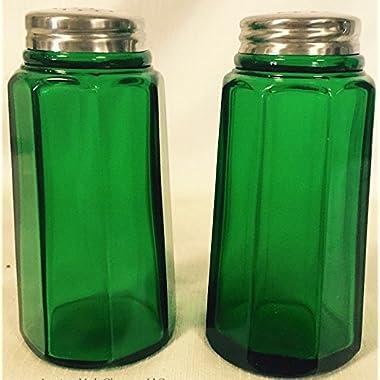 Salt & Pepper Shaker Set - Paneled Pattern - Mosser Glass - American Made (Hunter Green)
