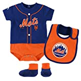 """New York Mets """"Ball Player"""" infant Bib and bootie set"""