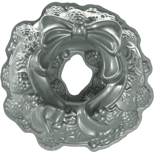 Nordic Ware 85348 Holiday Wreath