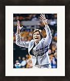 Autographed Pat Summitt Photograph - 8x10 Vols Womens basketball coach PSA #5 Matted & Framed - Autographed College Photos