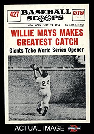 Amazon Com 1961 Nu Card Scoops 427 Makes Greatest Catch