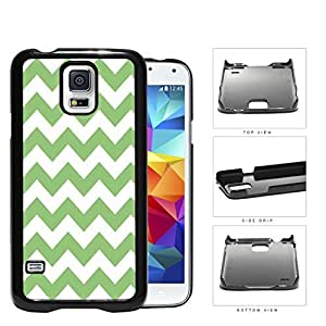 Chevron Design Pattern In Mint Green Hard Plastic Snap On Cell Phone Case Samsung Galaxy S5 SM-G900
