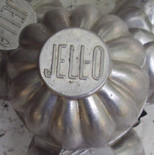 (Vintage 1930's Fluted JELLO TIN MOLDS Marked