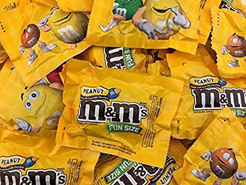 M&Ms Milk Chocolate with Peanut, Fun Size Candy, Bulk Pack 105-ct (Pack of 3 Pounds) - Comes In A Sealed / Resealable Bag - Perfect For Parties, Pinata, Office Bowl, Wedding Favors, Easter Baskets]()