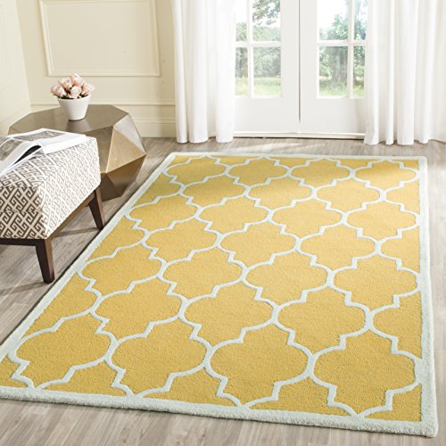 Safavieh Cambridge Collection CAM134Q Handcrafted Moroccan Geometric Gold and Ivory Premium Wool Area Rug (3' x 5')