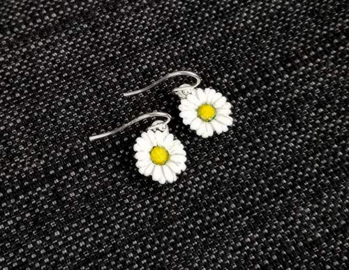 Daisy Flower Earrings - Hand Painted Nature Jewelry ()