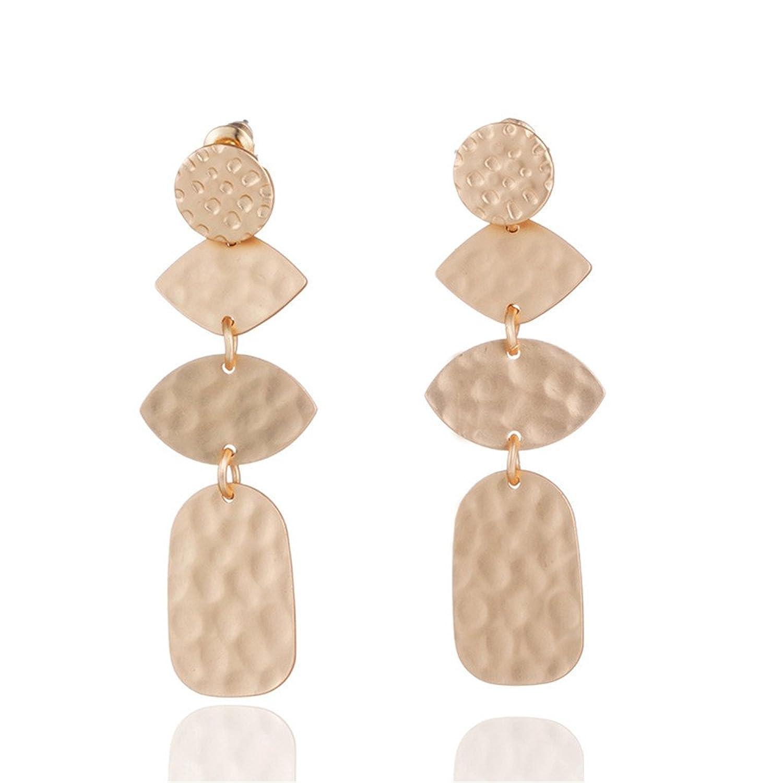 e547bc3cbc2d En venta Dana Carrie Adornos de oreja simple y elegante superficie versátil  y aleación de oro