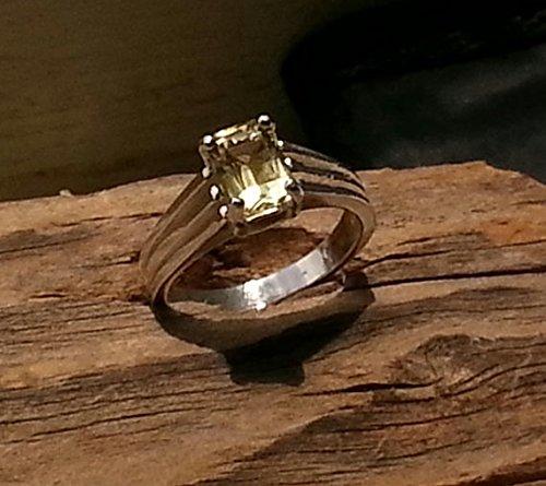 (7.7x5.5mm Lemon Quartz Ring)