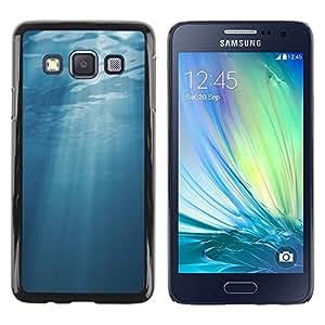 Be Good Phone Accessory // Dura Cáscara cubierta Protectora Caso Carcasa Funda de Protección para Samsung Galaxy A3 SM-A300 // Light Blue Sea Underwater Sun