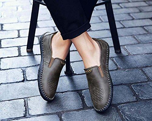 Onfly Bomba Mocasín Ponerse Casual Cuero Zapatos Pedal Zapatos Hombres Moda Color puro Antideslizante Suela blanda Grabado en relieve Zapatos perezosos Conducción Zapatos Tamaño de la UE 38-44 Khaki