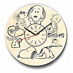 7Arts Snoopy Wooden Clock - Decorative Wall Clock Made from Eco Wood with Silent Quartz Movement and Autonomous Power Source - Can be Painted, Great Gift Idea