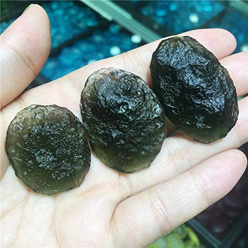 Amazon.com: 1pcs Moldavite Czech Glass Beads Rough Meteorite Impact Crystal Energy Stone, (12-14g): Home & Kitchen