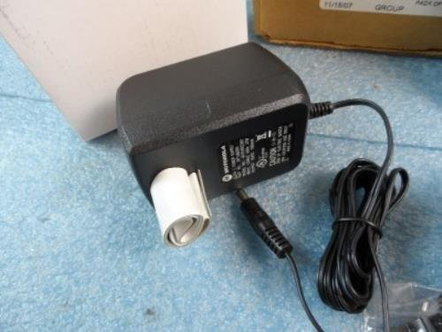 Motorola NTN1667A Universal Single Unit Rapid Rate Battery Charger New by Motorola (Image #3)