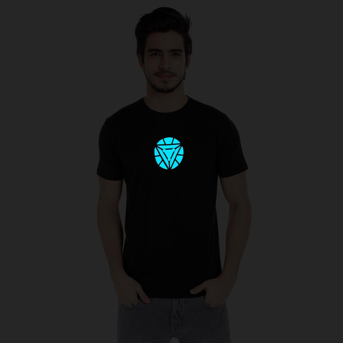 34cdeccd Iron Man- Arc Reactor (Glow in Dark) Men's Black Cotton T Shirt: Amazon.in:  Clothing & Accessories