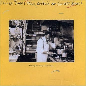 Cookin at Sweet Basil: Oliver Jones Trio: Amazon.ca: Music