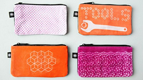 lumi-shadow-printed-pouch