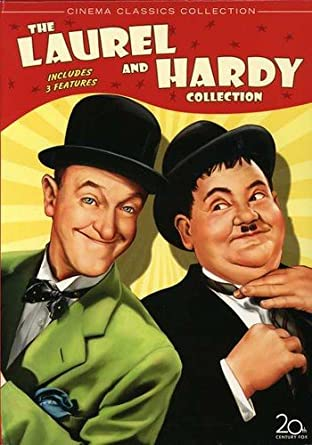 BABES THE WAR MINI SET of  9 TRADING CARDS Stan and Ollie Laurel /& Hardy