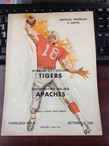 Southwestern Tiger - 1962 Riverside City Tigers vs Southwestern Apaches Vintage Football Program L12061