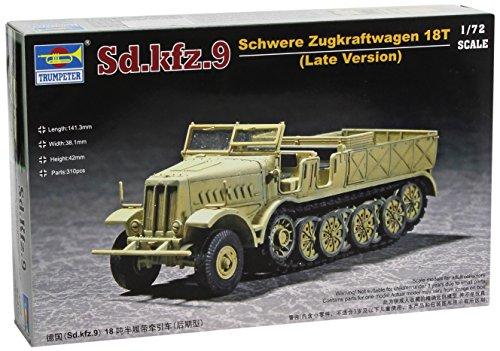(Trumpeter 1/72 WWII German FAMO 18t SdKfz 9 Type F3 Heavy Halftrack (Late))