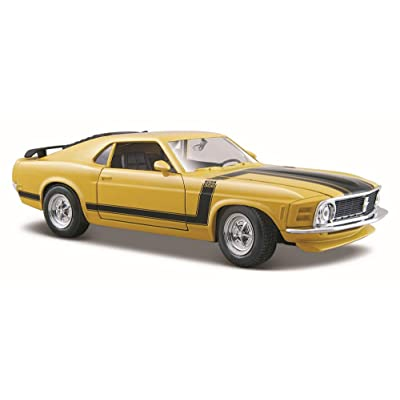Maisto 1/24 Scale Diecast Custom Shop 1970 Ford Mustang Boss 302 in Color Yellow: Toys & Games