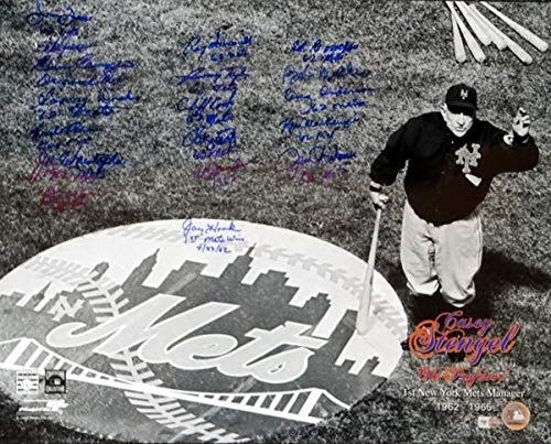 1962 New York Mets Autographed 16x20 Photo With 18 Signatures MLB Holo #LH224582 - Autographed MLB Photos