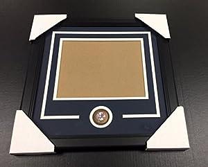NEW YORK YANKEES Medallion Frame Kit 8x10 Photo Double Mat Horizontal