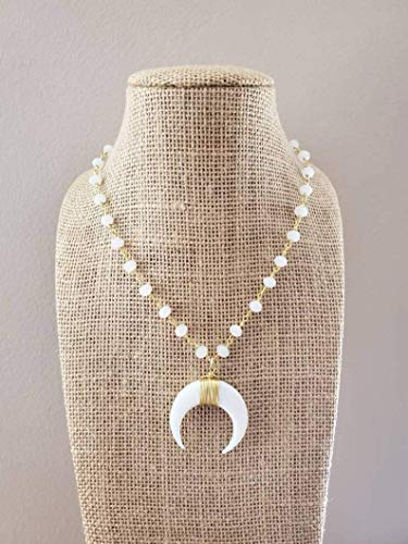 White Double Horn Pendant Choker Necklace Beaded Chain