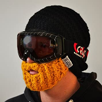 1a684cedc07 Original Beardo Beanie - Black With Blonde Detachable Beard  Amazon.co.uk   Sports   Outdoors
