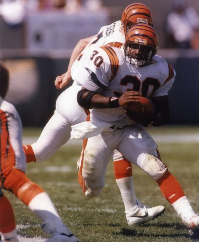 ICKEY WOODS CINCINNATI BENGALS 8X10 SPORTS ACTION PHOTO (G)