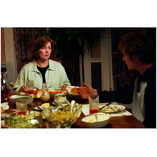 Everwood Merrilyn Gann as Rose with Chris Pratt as Exuberant at dining table 8 x 10 Inch Photo