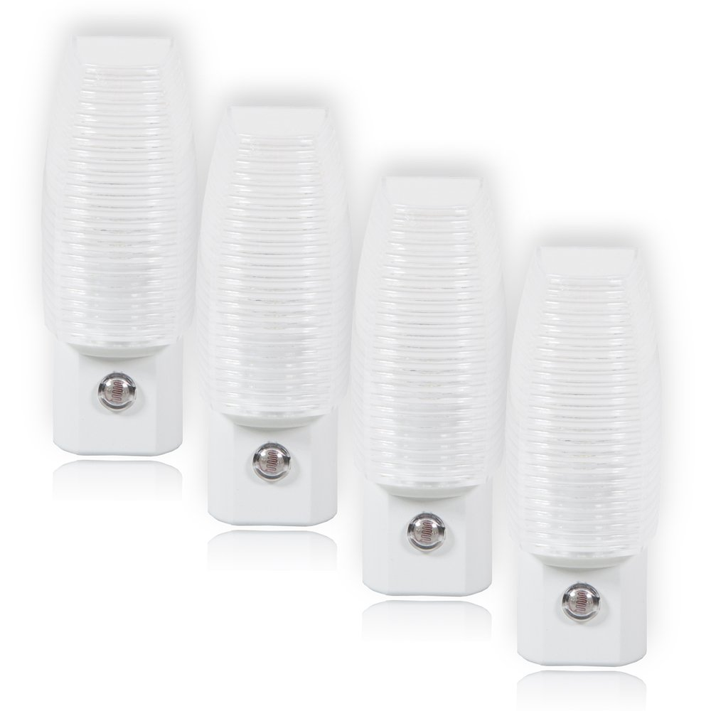 Maxxima MLN-16 LED Plug In Night Light With Auto Dusk to Dawn Sensor, 5 Lumens (Pack of 4)