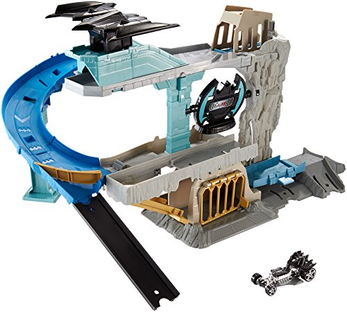 Hot Wheels DC Comics Bat Cave Playset (All Batman Characters)