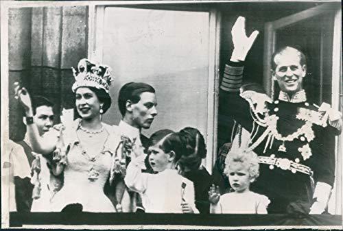 Queen Elizabeth Buckingham Palace - Vintage Photos 1953 Press Photo Royalty Queen Elizabeth Buckingham Palace Duke Edinburgh 6X10