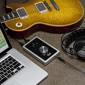 Apogee Duet + Apple MacBook Pro + Guitar