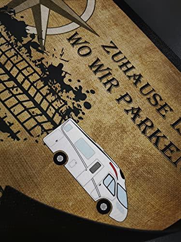 """51eiYmaeuVS Personalisierte Fußmatte für Camper. Fußabstreifer """"Zuhause ist, wo wir parken."""" mit Kompassrose, Reifenspur und…"""