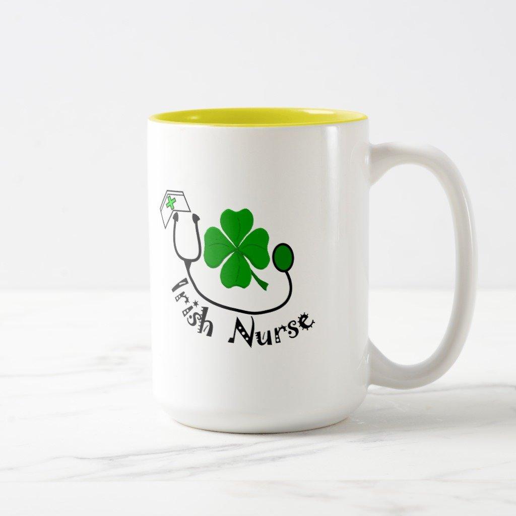 ZazzleアイルランドNurseギフト、緑クローバーデザインコーヒーマグ 15 oz, Two-Tone Mug イエロー 5e0e0d15-6122-0b4f-34a8-6202db45d2fb B078VXN1JV 15 oz, Two-Tone Mug イエロー イエロー 15 oz, Two-Tone Mug