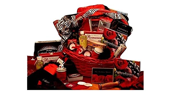Amazon the ultimate romantic gift basket for couples amazon the ultimate romantic gift basket for couples grocery gourmet food sciox Image collections