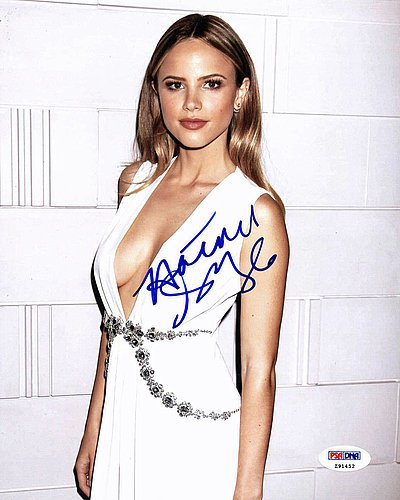 halston-sage-autographed-8x10-photo-signature-psa-dna-certified-celebrity-signed-pictures