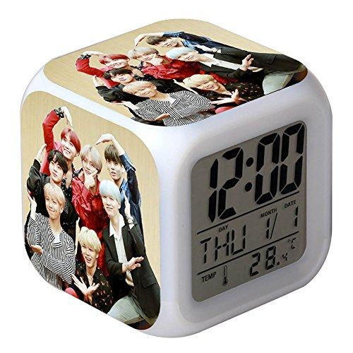 Skisneostype KPOP BTS - Reloj Despertador Digital LED de 7 Colores con diseño de Dibujos Animados