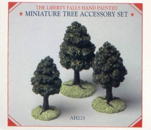 LIBERTY FALLS HAND PAINTED MINIATURE TREE ACCESSORY SET AH221 THE AMERICANA COLLECTION ()