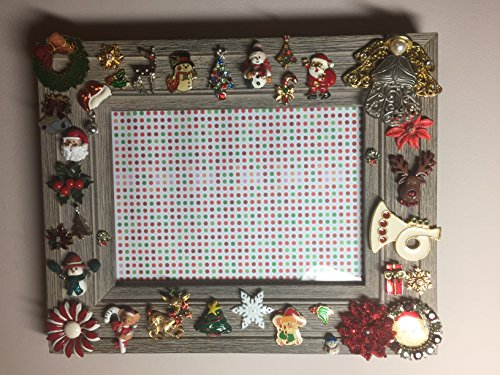 [Vintage Wood 5 x 7 Piture Frame Accented with Christmas Holiday Costume Jewelry - One of a kind] (One Of A Kind Costumes)