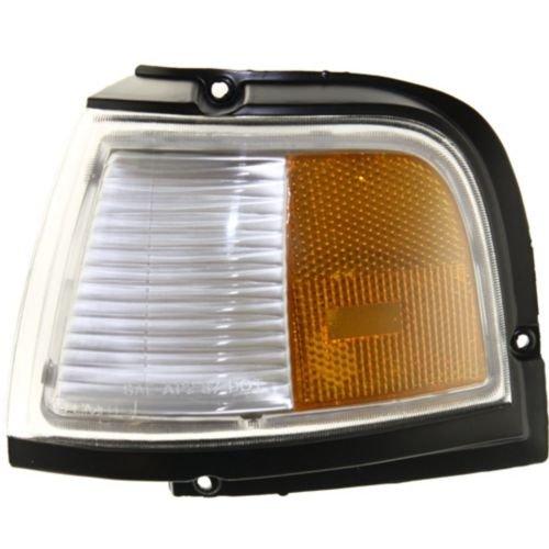 Make Auto Parts Manufacturing - DRIVER SIDE FRONT SIDE MARKER LIGHT ASSEMBLY; CORNER OF FENDER - GM2550104